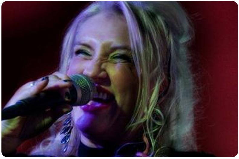 Valeria Burzi Solo Singer